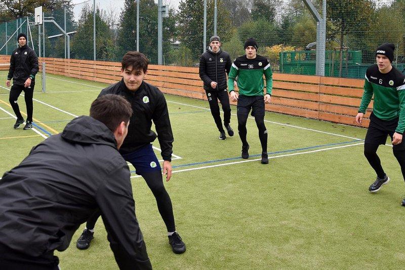 OBRAZEM: Vsetínští hokejisté absolvovali první venkovní trénink po karanténě