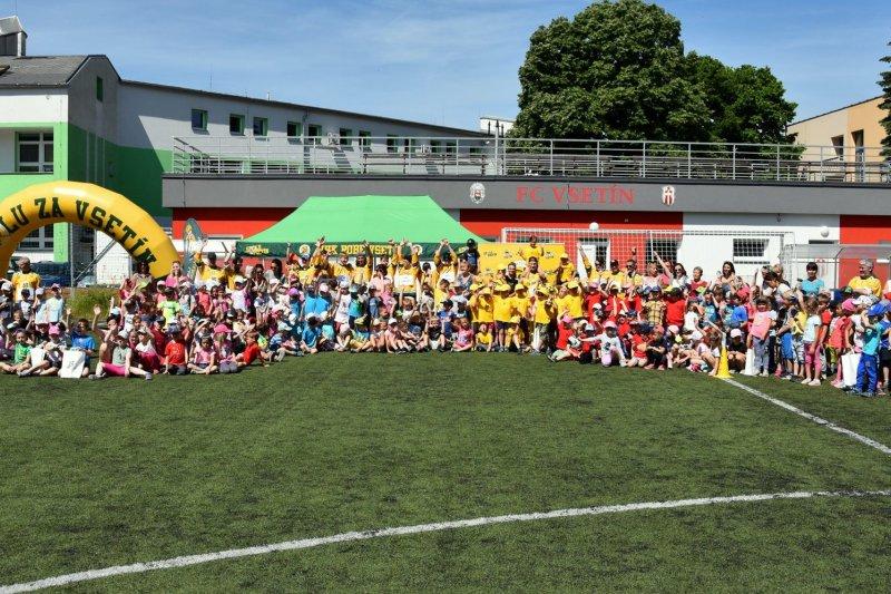 FOTO + VIDEO: Školky popáté sportovaly s VHK. Jsme nadšení z počtu zúčastněných dětí, hlásí Libor Forch