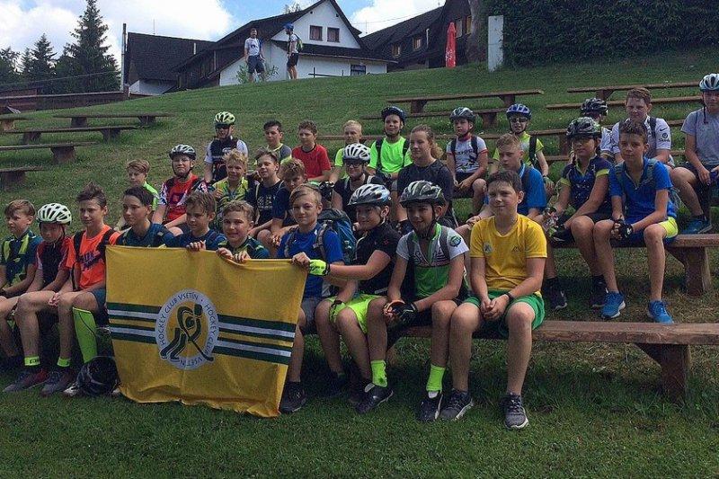 Na závěr letní přípravy se mládežníci vydali na soustředění do Velkých Karlovic