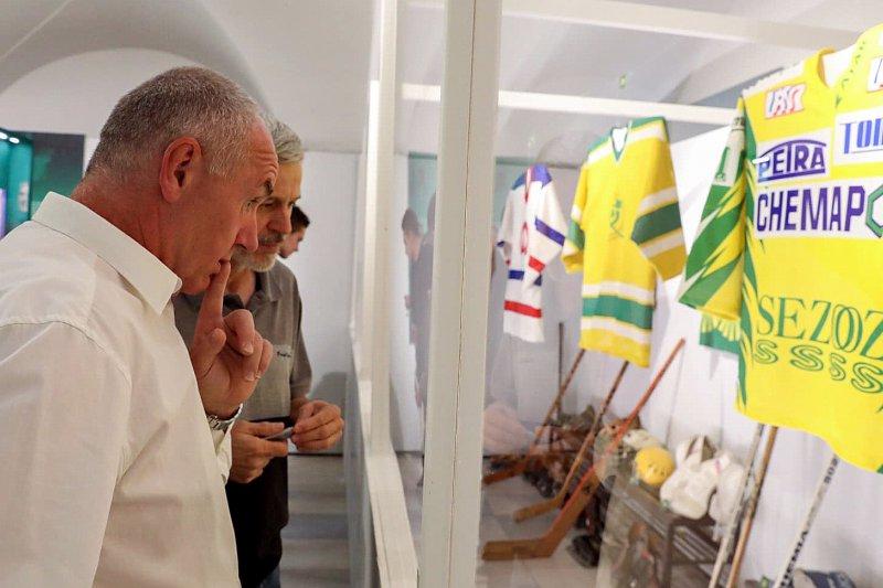 VIDEO: Výstavu 80 let vsetínského hokeje odstartovala slavnostní vernisáž