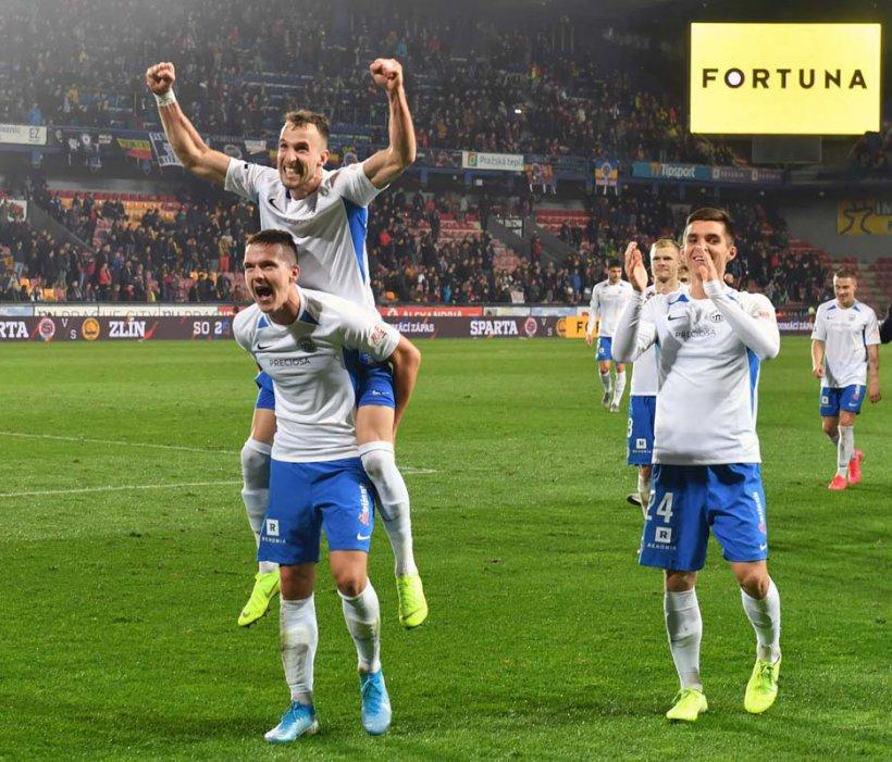 VIDEO: Sensationeller Erfolg zum Auftakt - 2:0 bei Sparta Prag
