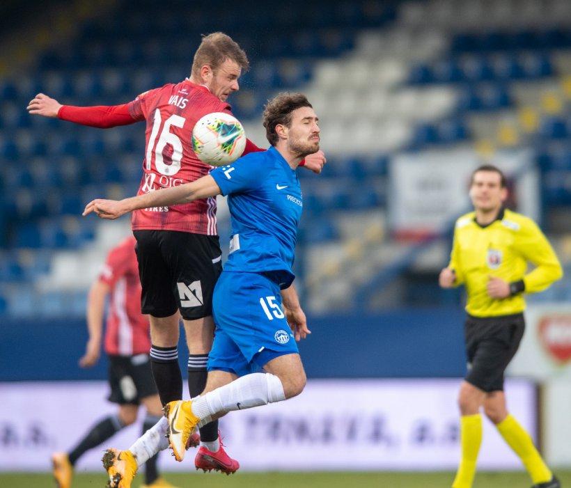 Slovan Liberec dank späten Treffers im Viertelfinale des MOL-Cups
