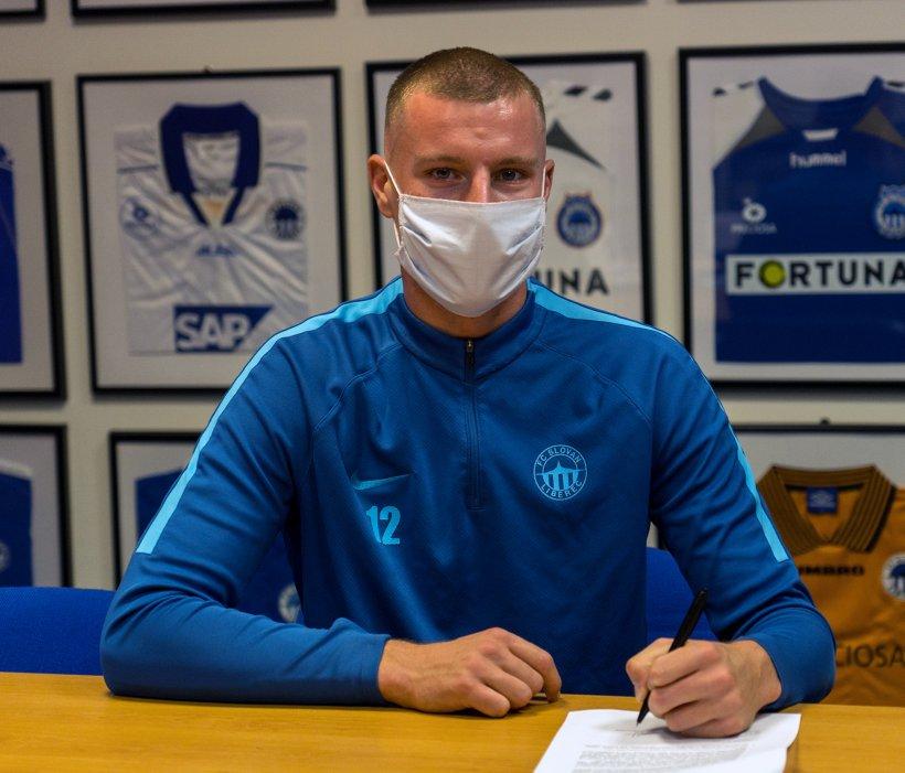 Verteidiger Marios Pourzitidis unterzeichnet Vertrag bei Slovan Liberec