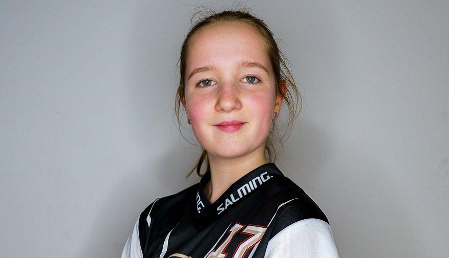 Emma Bártová #17