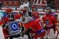 Zápas s Karlovými Vary tradičně přinesl důrazný a fyzicky náročný hokej. Menší potyčky nebyly výjimkou.
