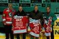 Před zápasem byli ocenění bývalí hráči Třince Molin, Kedzior a Bujok