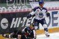 Kuchler nedovoleným zákrokem hokejkou skolil Vopata