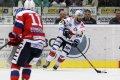 Michal Vondrka se ukázal jako správný kapitán, v závěru dvěma góly rozhodl o vítězství Pirátů nad Pardubicemi