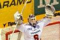 Tomáš Duba oslavuje druhé vítězství na pardubickém ledě