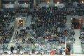 Hráči na lavičce neustále povzbuzovali a hecovali své kolegy na ledě...