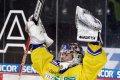 Petr Přikryl slaví výhru na ledě svého bývalého týmu