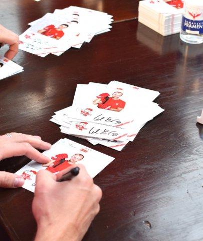 Autogramiáda áčka je tady! Kohouti budou opět rozdávat podpisy na Olympii