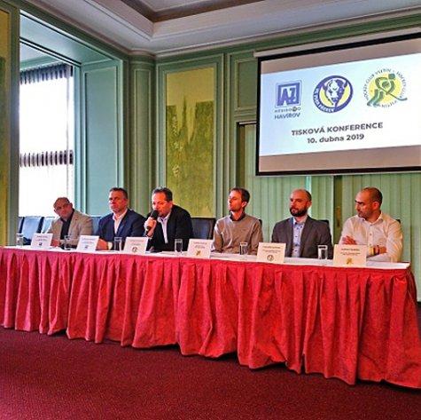 Zubry podpořil známý expert i primátor. Tisková konference v Praze splnila svůj účel