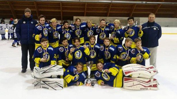 Starší žáci se zúčastnili turnaje v Rožnově, domů si přivezli zlatý pohár i medaile