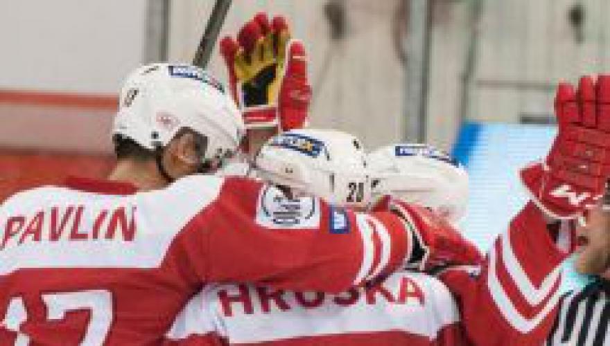 Zubři sehráli s lídrem tabulky velmi dobrou partii, tři body za výhru ale sebrala Slavia