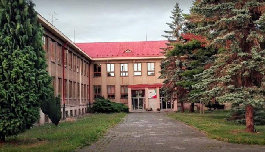 ZŠ a MŠ Duhová cesta se stává třetí partnerskou školou Florbal Chomutov